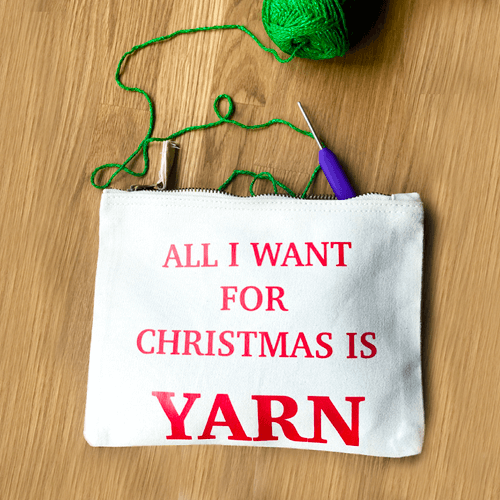 al i want for christmas rood pouch m - productafbeelding.png
