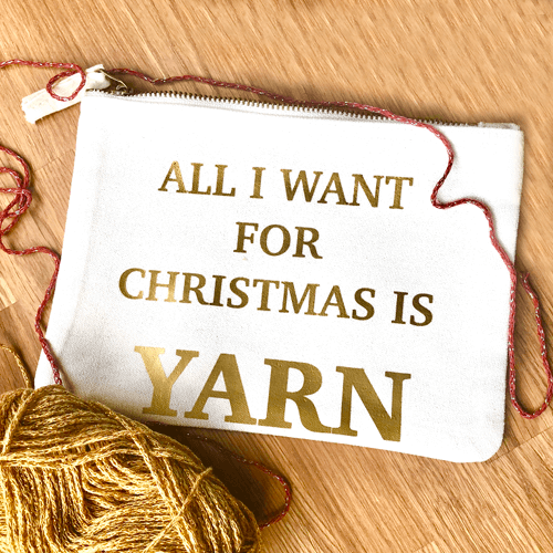 all i want for christmas gold pouch m - productafbeelding.png